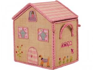 rosa-naturfarbener-rice-korb-hochhaus